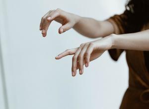 ¿Cómo controlar la progresión de la artritis reumatoide?