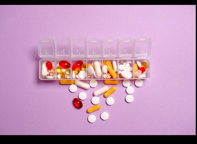 ¿Cuáles son los peligros de la venta sin receta de ciertos medicamentos?