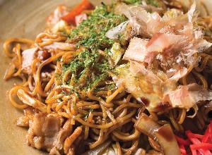 Yakisoba con carne y verduras
