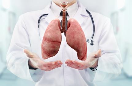 fotolia Lungs_doctor.jpg